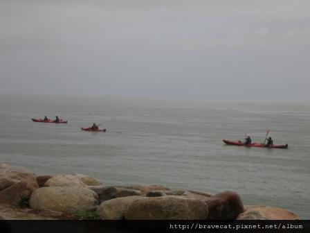 IMG_0472 Kiwi Kayaks - 今天的天氣很差,甚麼都看不見.JPG