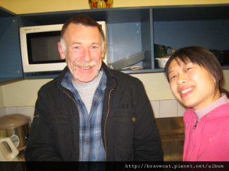 IMG_0503 Geof住在後面房車的阿伯,他應該很寂寞吧,那天跟他說再見的時候,他跟我說了好多他的故事.JPG