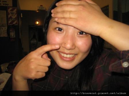 IMG_0523 美人痣,Yujin說韓國的美女明星都有這顆痣.JPG