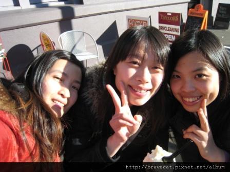 IMG_0722 三人Share一隻有吃完,嗯,上次的比較大,因為上次沒吃完.JPG