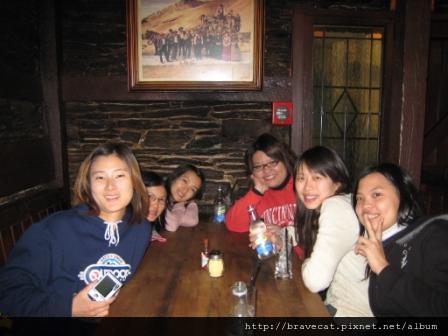 IMG_1309 THE COW- Naomi & Li Fung & Selina & Sabrina & I & Sherry.JPG