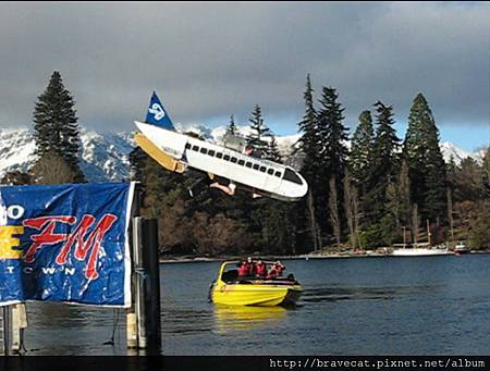 NEW ZEALAND AIRLINE,ㄟ~這算墜機嗎.jpg
