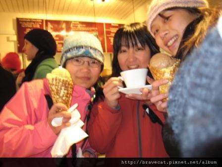 IMG_1645 UNDAUER PARTY- PARTY後我們去PATAGONIA吃冰淇淋取暖.JPG
