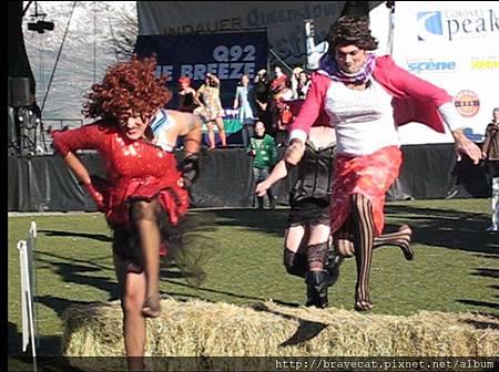 IMG_1711 Q92 The Breeze Drag Race- 猛啊~相較於兔女郎的優雅,這一組展現的則是狂野.jpg