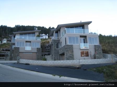 IMG_1917 面對湖景的豪宅(Kerry Dr).JPG