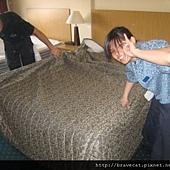 IMG_0069 最後再鋪上床罩.jpg