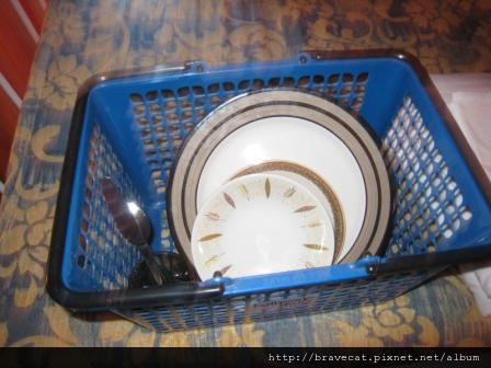 IMG_2048 每人發放一套餐具.JPG