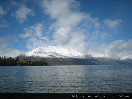 IMG_7712 Lake Wakatipu.jpg