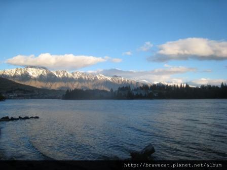 IMG_8006 Lake Wakatipu.jpg