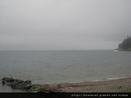 IMG_8831 雨景,對面的山頭都不見了.jpg