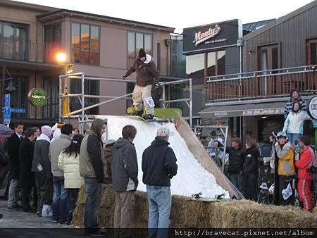 IMG_2081 IMG_2086 路邊搭建的滑雪競技場(Church St)2007_07_13