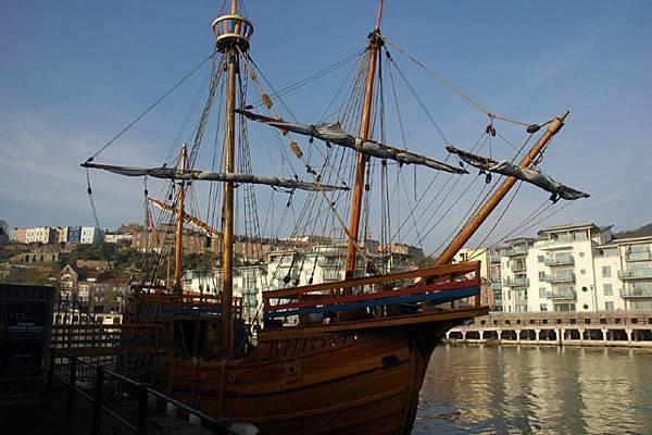 第一艘航向美國的古船