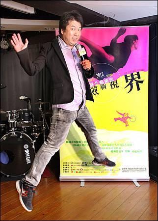 2013臺北藝術節5月28日正式啟售,與藝術總監耿一偉一同飛越未知稜線,發現冒險新視界。_鄧惠恩攝影