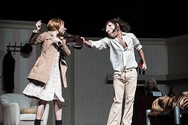 西班牙庫倫卡劇團《安德魯與多莉妮》,面具結合肢體創造跨國界的動人無聲語言01_陳又維攝影