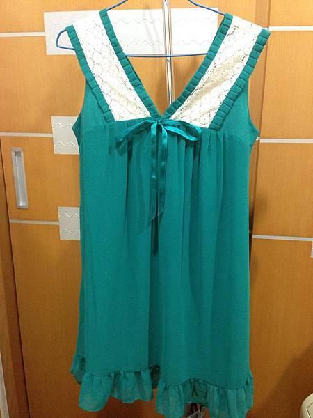 4.綠色浪漫背心裙