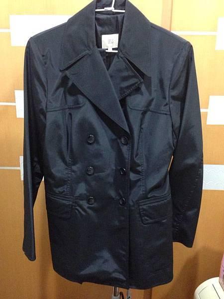 3.百貨專櫃OASIS風衣外套(附腰帶)
