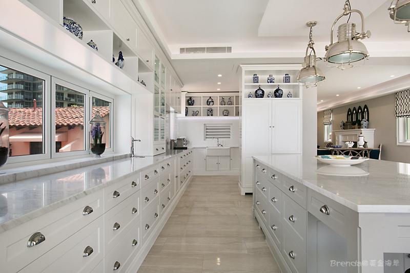 HB Galley Kitchen.jpg