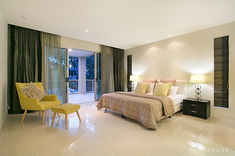 OCEAN Bedroom 6 with Ensuite.jpg