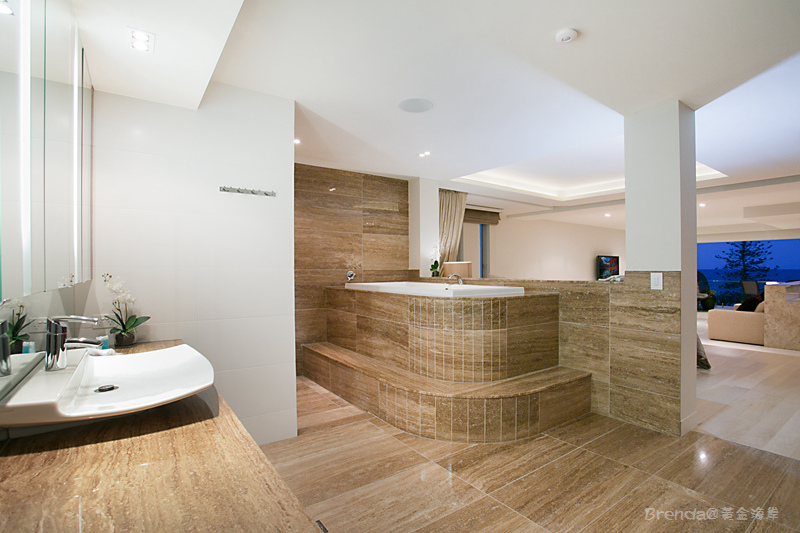 OCEAN Master Bathroom.jpg