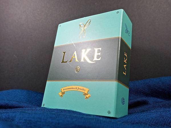 LAKE01.jpg