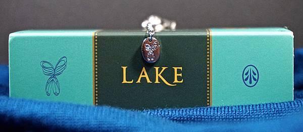 LAKE05.jpg