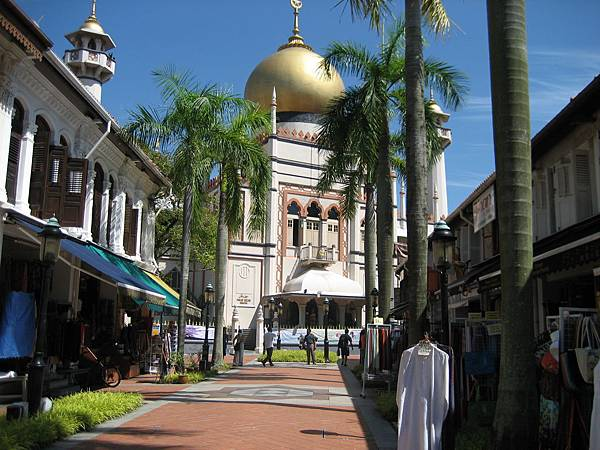 sultan mosque from bussorah st1.JPG