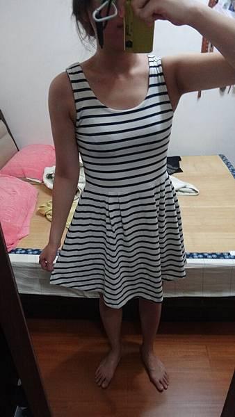 NO71~~summersale~~~~~PAGEBOY超可愛女孩圖騰踢加上條紋背心洋裝~可拆開穿