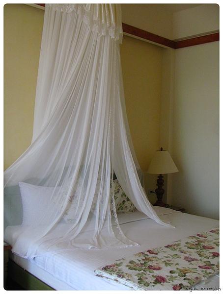 浪漫的床與紗帳