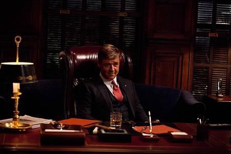 羅素克洛蒐15年政客資料演活紐約市長3
