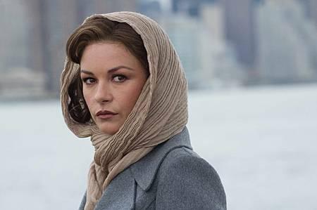 凱薩琳麗塔瓊斯飾慾女市長夫人