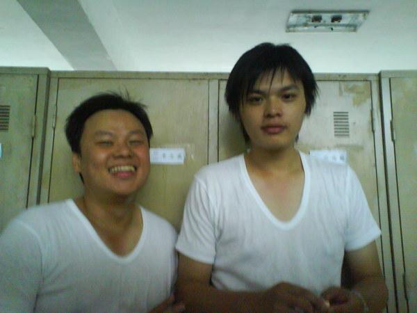 2008-09-09~12斗煥坪無聊教召,與連上弟兄在寢室內拍照
