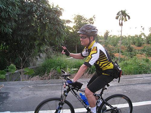 夜騎騎乘紀錄---天下一家鐵馬家族夜騎領隊 副會長 老葉.jpg