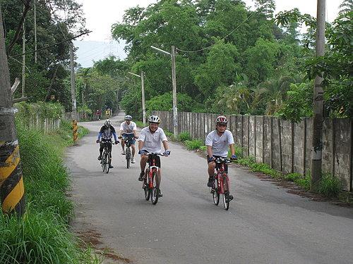 騎乘實況報導 3 走在田園小徑 悠閒一下.jpg