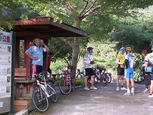 最近越來越多人加入自行車運動的行列.jpg
