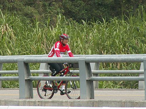 阿東 快可以休息了 內湖橋上 加油啊.jpg