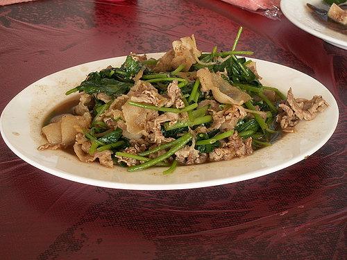 美味的中餐 --- 山芹菜炒山豬肉.jpg