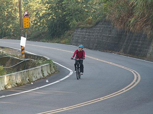 冠志 騎著最好騎的車子 要努力堅持下去 跟著我們的活動一起去環島.jpg