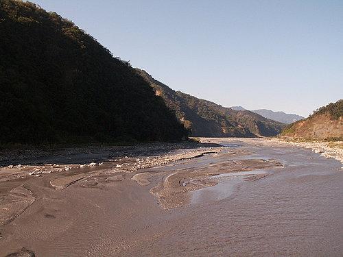 從雙龍橋上遠眺濁水溪.jpg