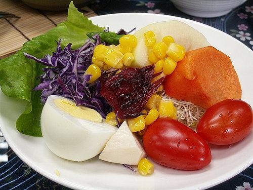 騎完之後 當然要來點好料的慰勞自己 新鮮美味的沙拉.jpg