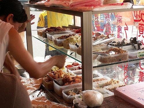 多樣化的飯團內餡菜色.jpg