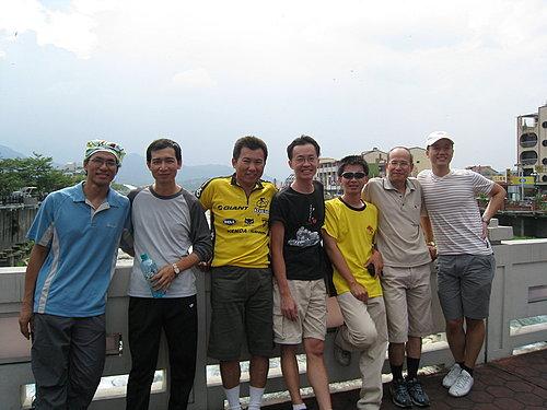 本次參與永不放棄埔里--武嶺挑戰賽的成員 少了一個人再下一張照片會出現喔.jpg