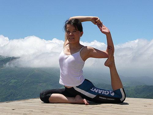 鄭老師 瑜珈示範(有興趣的可以前往相簿中欣賞)2.jpg