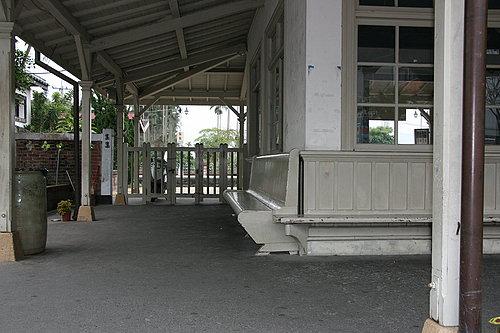 集集火車站一角 早晨的寧靜帶來不同感覺的集集火車站.jpg