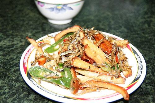 美味的晚餐 -- 豆干小魚乾.jpg