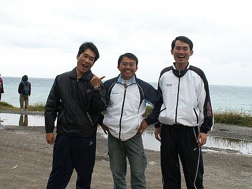 今天的加油團 蔡股長 廖教練 陳先生.jpg