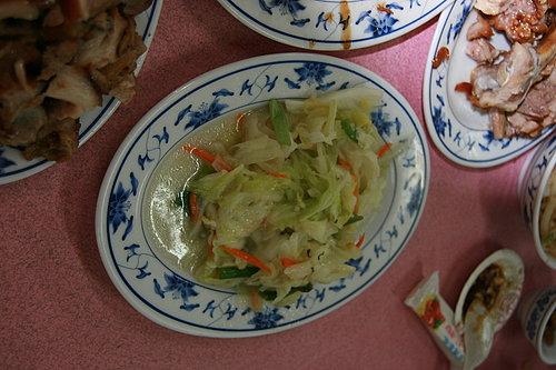 長征慶功宴 -- 海鴻飯店 -- 炒高麗菜(有肉當然也不能沒有青菜囉).jpg