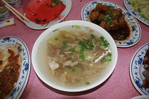 長征慶功宴 -- 海鴻飯店 -- 酸菜肚片湯(好喝到不行 還加了2次湯喔).jpg