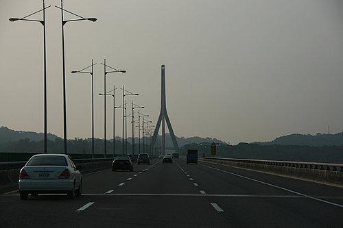 歸途了 途經二高 斜張橋.jpg