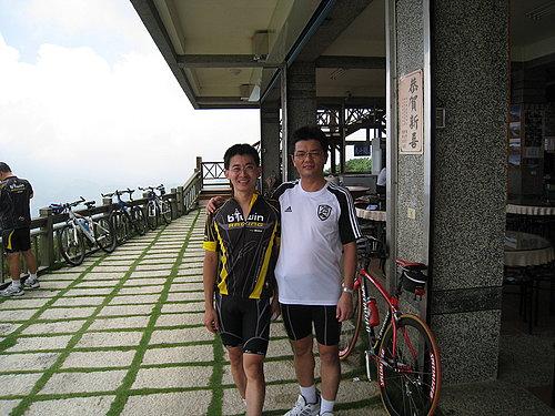 再來一張小葉子與魏先生的合照.jpg