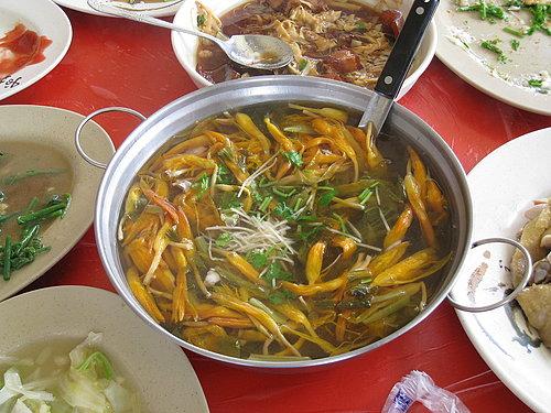 碧湖休閒觀光茶園美味中餐 --- 金針鹹菜湯.jpg